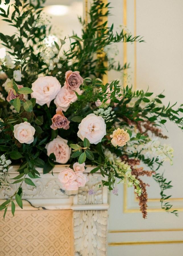 floral-mantel-wedding-photoshoot-paris