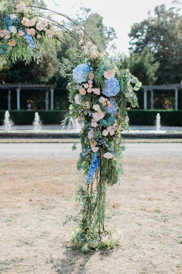 wedding_arch_french_wedding_florist