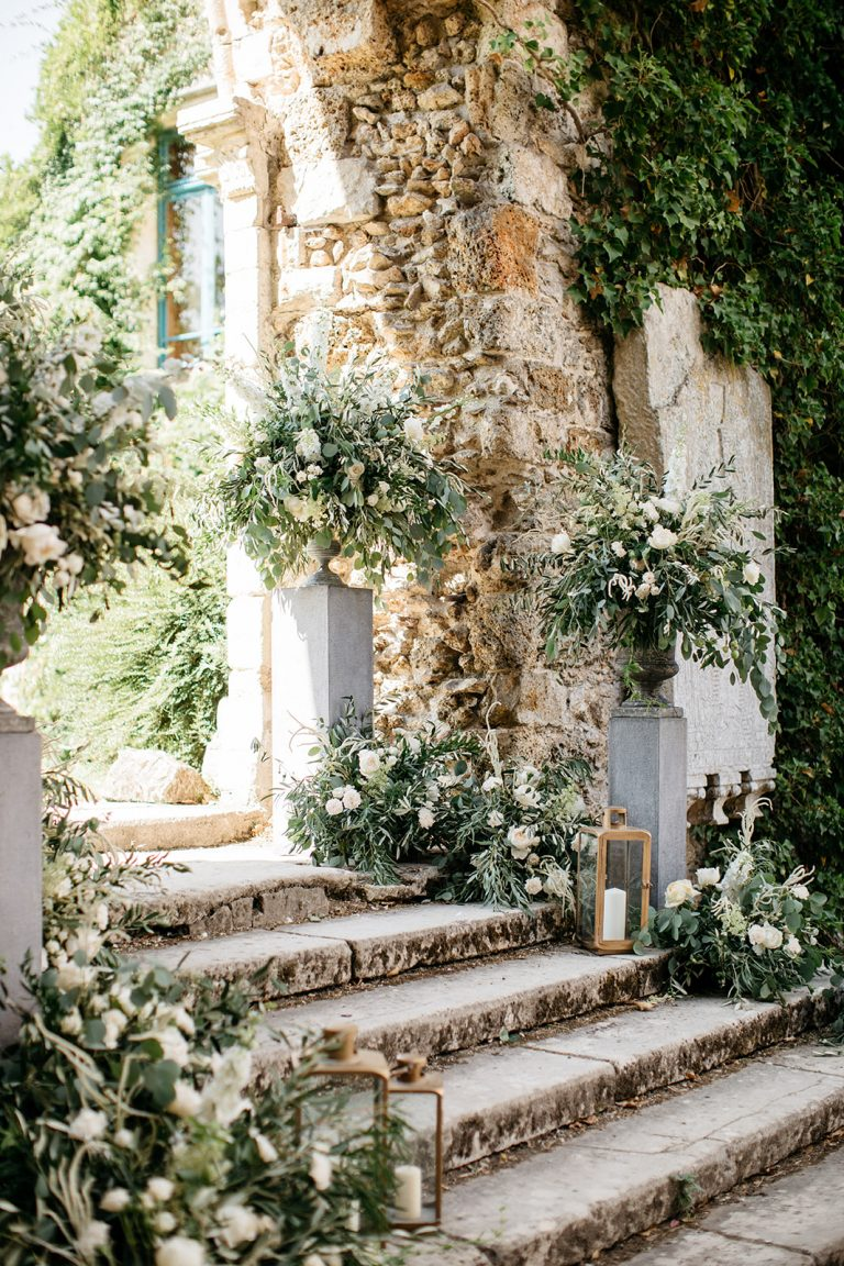 floral-decor-wedding-in-france-ceremony-abbey