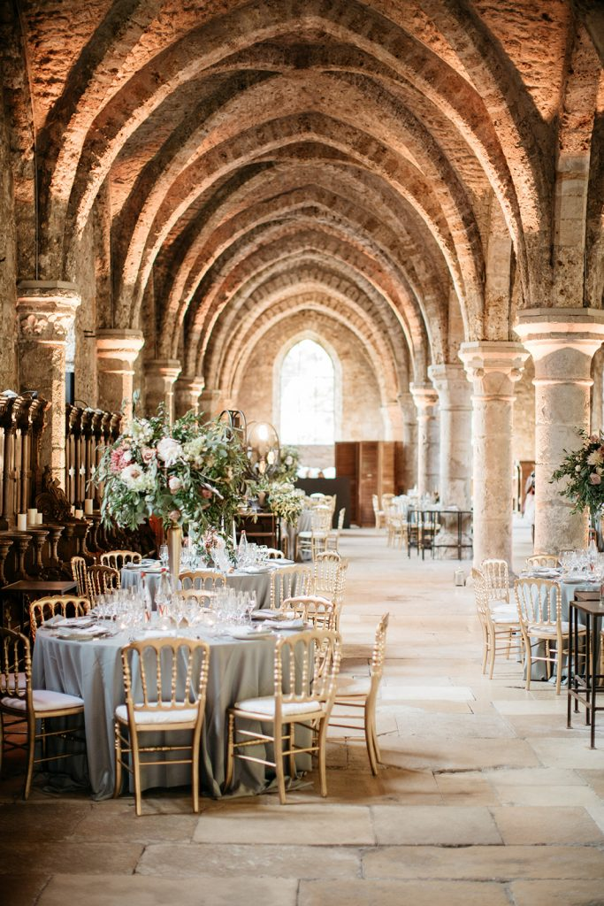 salle_des_moines_abbaye_des_vaux_de_cernay_wedding