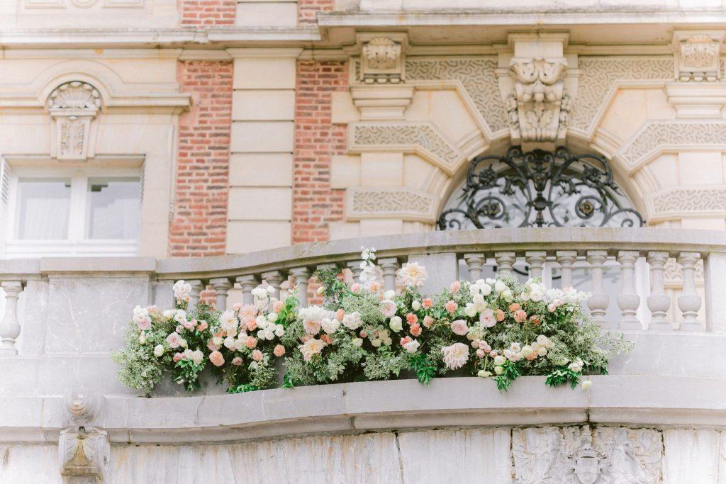 balcon-fleuri-mariage-pastel-bouffémont-lily-paloma