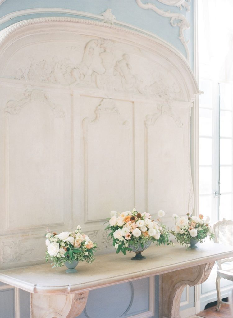 wedding-floral-decor-dinner-room-lily-paloma