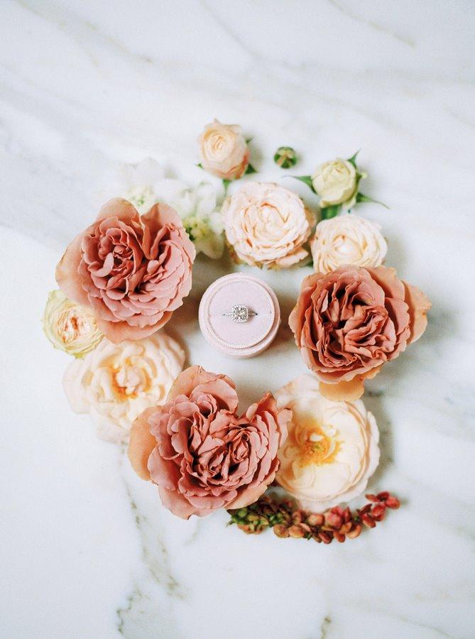 ring-details-wedding-photoshoot-flowers
