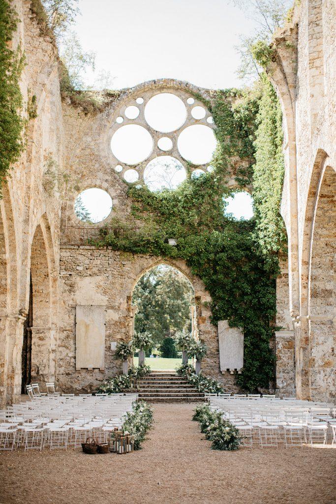 floral-design-wedding-ceremony-france