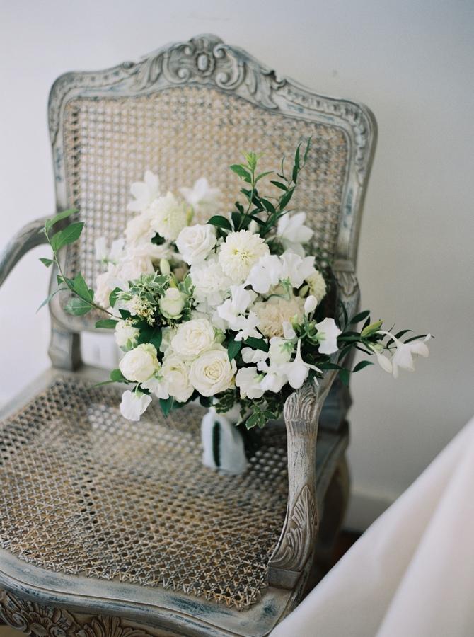 white-green-wedding-bridal-bouquet